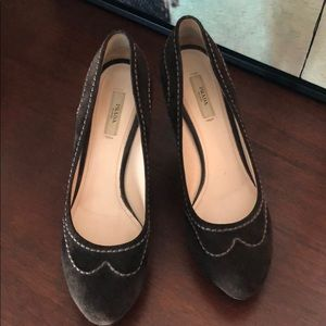 Authentic Prada Suede brown platform pumps in GUC